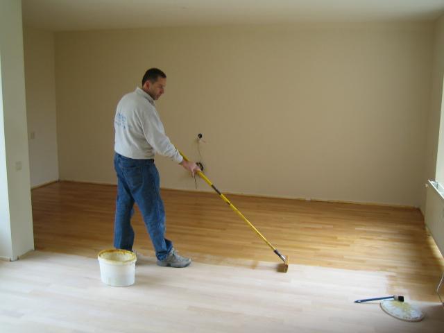 Dé specialist in rijen voor het onderhoud van uw houten vloer